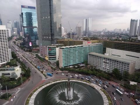 Jakarta Berawan di Siang Hari