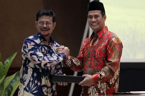 Momen Pelukan Hangat Syahrul Yasin Limpo dan Amran Sulaiman