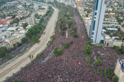 Jutaan Warga Chile Tuntut Reformasi Ekonomi