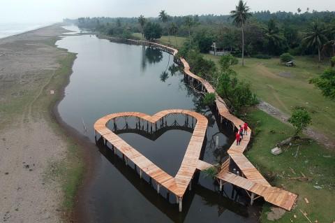 Nagari Ulakan Bangun Jalur Wisata Mangrove
