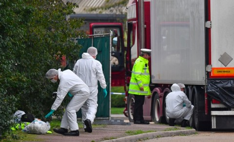 Tiga Tersangka Dibebaskan Terkait Kematian 39 Imigran di Inggris