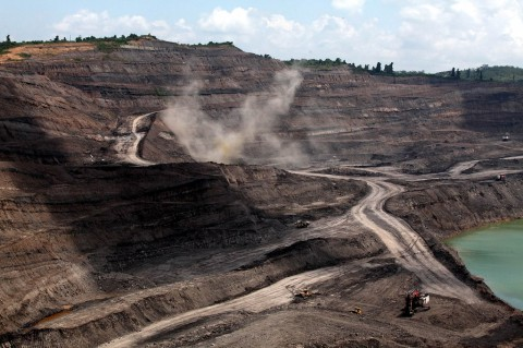 Harga Batu Bara Anjlok, Target Produksi PTBA Tetap Tinggi