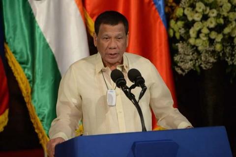 Duterte Tantang Wapresnya Tukar Peran Jadi Presiden
