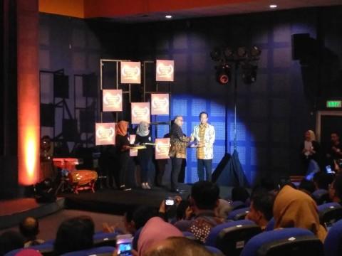 Raja Yogyakarta Raih Penghargaan Tokoh Pemerhati Penyiaran
