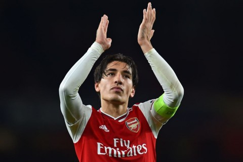 Xhaka Tampil Buruk, Bellerin Ajak Fans Arsenal Bersatu