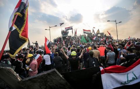 Puluhan Ribu Warga Irak Kembali Demo Tuntut Pemerintah
