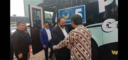 Surya Paloh Sowan ke DPP PKS