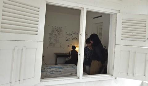 Mencari Rumah Adriana van der Have
