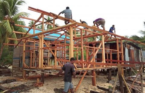 Pemerintah Perbaiki 355 Rumah Tak Layak Huni di Batam