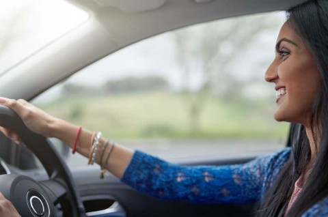 Trik Berkendara Aman untuk Wanita