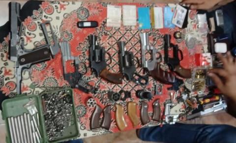 Penjual Senjata Api Online Ditangkap di Rumah
