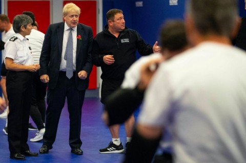 Inggris Bela Kesepakatan Brexit Usai Peringatan Dagang Trump