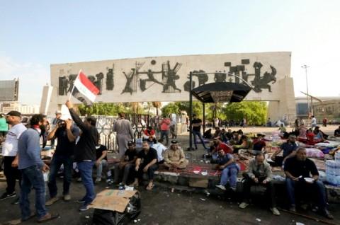 Demonstran Anti-Pemerintah Gelar Aksi Terbesar di Irak