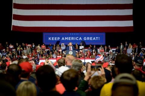 Trump Ejek Politikus Demokrat yang Batal Nyapres