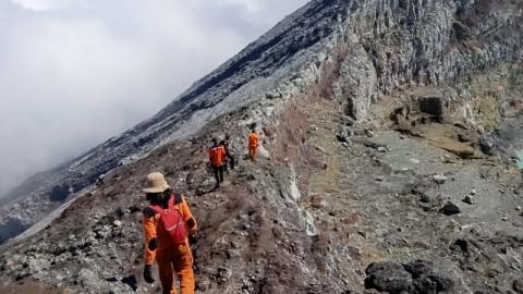 Relawan Temukan Mayat Diduga Pendaki di Gunung Dempo