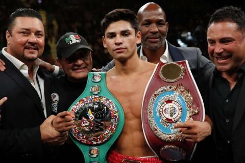 Ryan Garcia Juara Dunia Tinju Kelas Ringan Silver WBC
