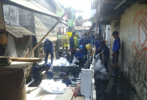 Kelurahan Lagoa Gotong Royong Cegah Banjir