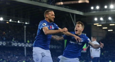 Gol Telat Cenk Tosun Bantu Everton Imbangi Spurs