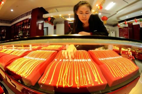 Konsumsi Emas Tiongkok Merosot
