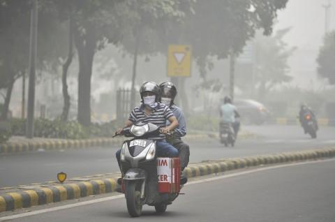 Polusi Udara India Berbahaya, Warga Diimbau Kenakan Masker