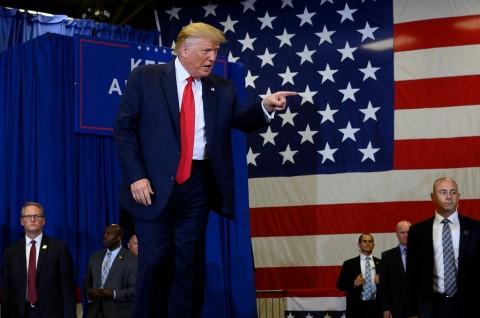 Whistleblower Pemakzulan Trump Siap Hadapi Partai Republik