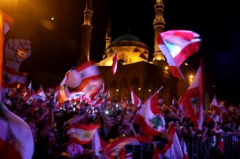 Ribuan Orang Kembali Turun ke Jalanan Lebanon
