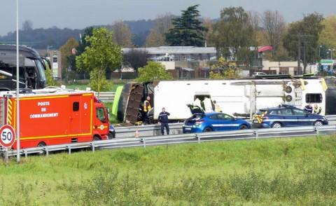 Bus Terbalik di Prancis, 33 Turis Terluka
