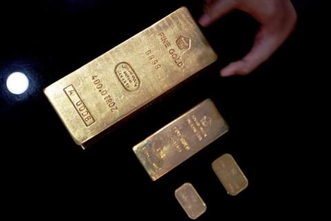 Emas Dunia Tertekan Keperkasaan Dolar AS