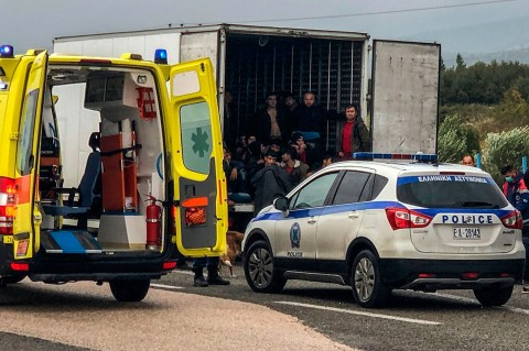 41 Migran Ditemukan Dalam Truk Berpendingin di Yunani