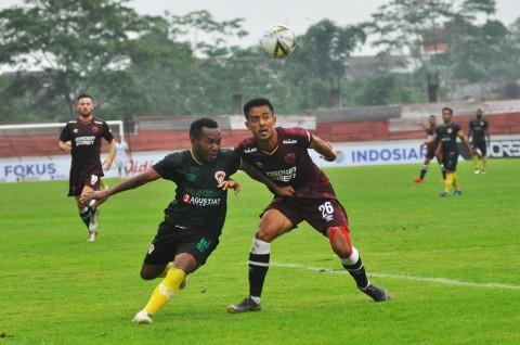 PSM Makassar Tekuk 10 Pemain Kalteng Putra