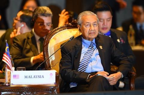 Mahathir Tegaskan Mundur Setelah Selesaikan Masalah Negara