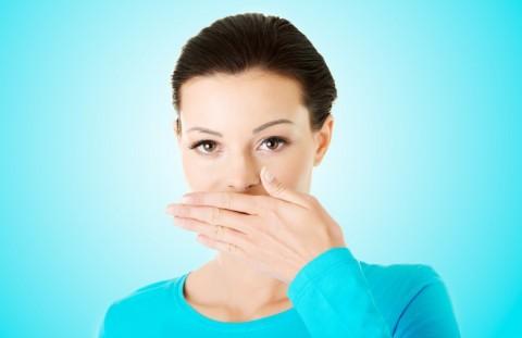Cara Menghindari Napas Bau Rokok
