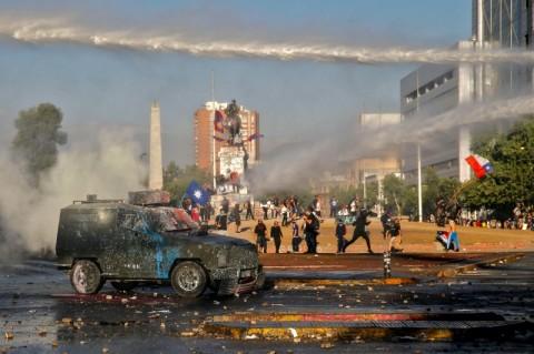 Protes di Chile Menyebar ke Pemukiman Mewah