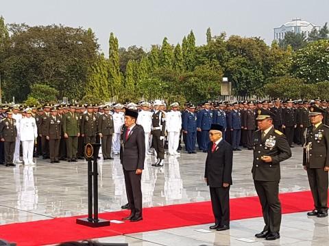 Jokowi Pimpin Upacara Peringatan Hari Pahlawan