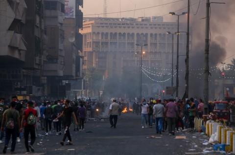 Korban Tewas Bentrokan di Irak Lampaui 300 Orang