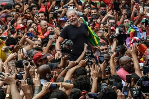 Mantan Presiden Brasil Serang Petahana Jair Bolsonaro