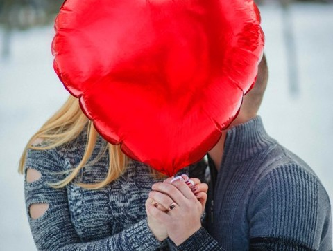Berapa Banyak Kalori yang Terbakar Saat Berciuman?