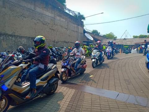 Rayakan Hari Pahlawan, NMax Riders Gelar Sunmori