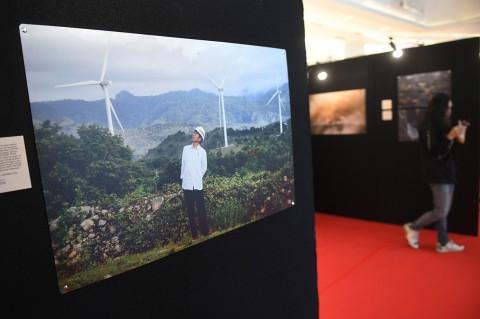 Melihat Pembangunan Indonesia Lewat Pameran Foto