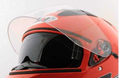 Benarkah Cuci Helm 5 Menit Bisa Merusak Busa Pelindung?