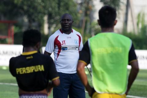 Tekad Kuat Pelatih Persipura untuk Kalahkan Bali United