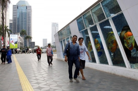 Anies Tampik Revitalisasi Trotoar Bikin Macet