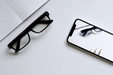 Apple Pertimbangkan Garap Headset Mixed Reality dan Apple Glass?