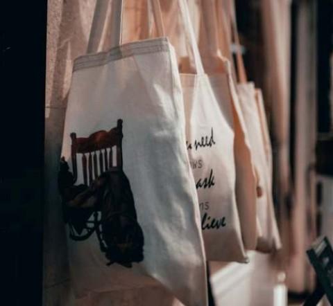 Pentingnya Mencuci <i>Reusable Bags</i> Kesayangan Anda