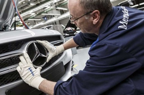 Biaya Program Kompensasi CO2 Turunkan Laba Daimler