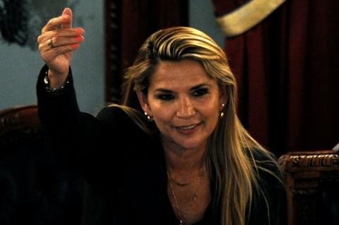 Senator Wanita Jadi Presiden Interim Bolivia