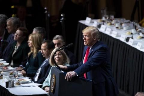 Trump Sebut Fed Hambat Pertumbuhan Ekonomi AS