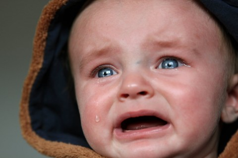 Panduan Menenangkan Bayi yang Menangis