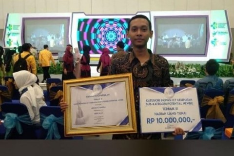 Mahasiswa UNS Raih IndoHCF Innovation Awards 2019