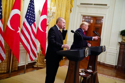 Interaksi Hangat Trump dan Erdogan di Washington